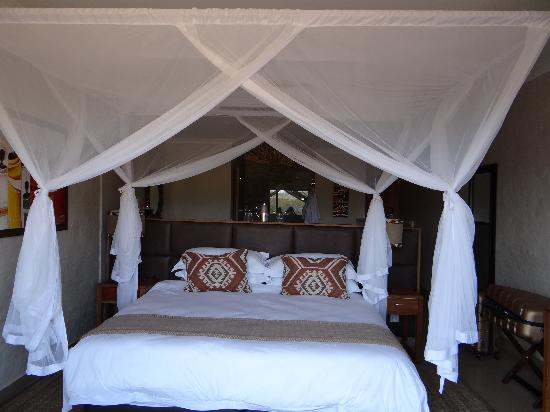 Victoria Falls Safari Club: Room - Safari Club