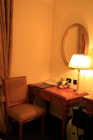 Cavaliere Palace Hotel: Very nice room
