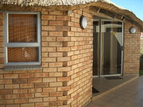 Gold Reef Place: Twin/double thatched rooms
