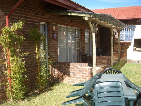 Gold Reef Place: Twin/double outside rooms.