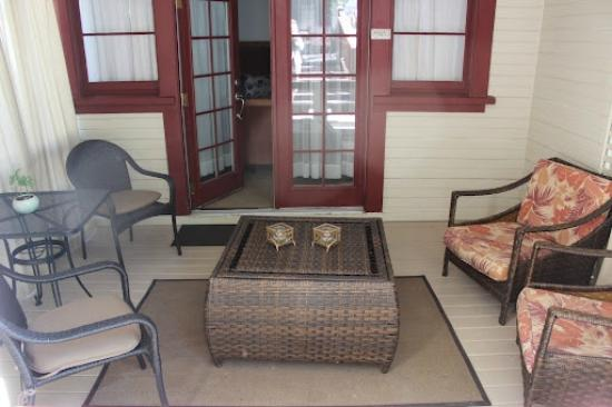 The Craftsman Inn: The private porch