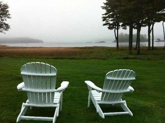 The 1774 Inn at Phippsburg: sitting by the river