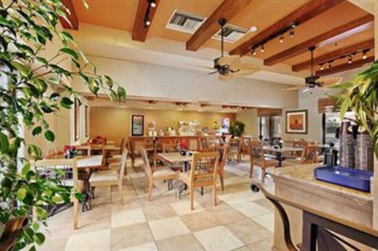 BEST WESTERN Plus Otay Valley Hotel: Dining