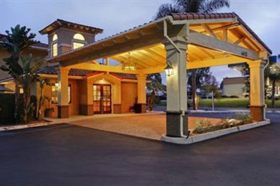 BEST WESTERN Plus Otay Valley Hotel: Main Entry