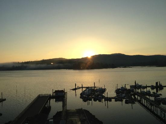 BEST WESTERN PREMIER Prestige Oceanfront Resort: October sunrise over East Sooke