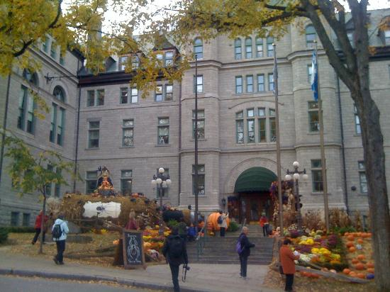 301 moved permanently for Chambre d hote quebec city