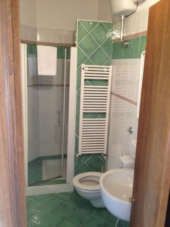 Il Canto del Sole: Bathroom