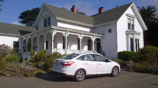 Joshua Grindle Inn of Mendocino: Front view Oct 2012