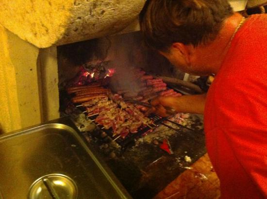 Villa Skansi: Croatian BBQ by the owner