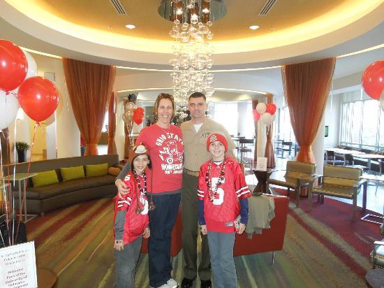 SpringHill Suites Columbus OSU: Hotel Lobby on game day
