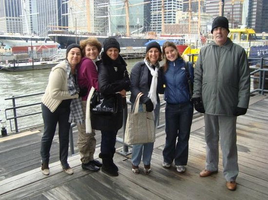Happy family day in new york with a local friend picture for New york city tours for families