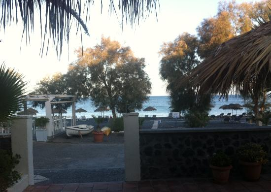 The Boathouse Hotel: View from pool to beach