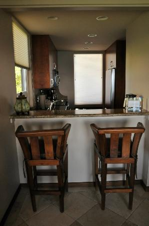 The Kapalua Villas: kitchen