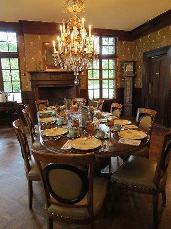 Colebrook, CT: Rock Hall Dining Room