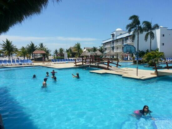 Playa Blanca Hotel & Resort: piscina