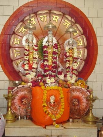 Jamnagar, India: A wonderful picture of lord ram, Sita Maa n laxman but not to forget lord ram's biggest devotee