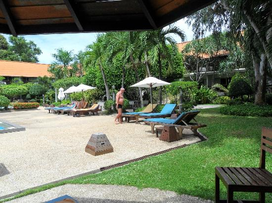 Sunshine Garden Resort: Im Garten am Pool