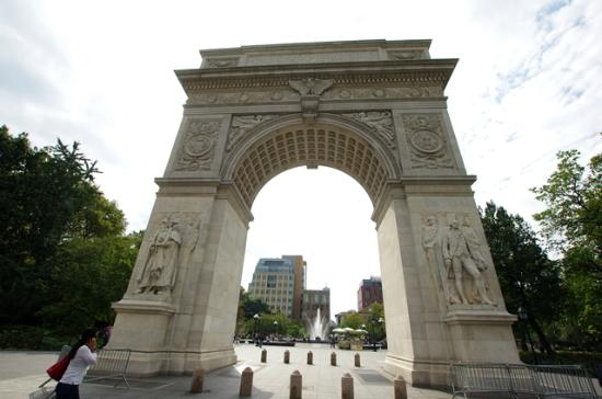 washington 39 s arch picture of real new york tours new york city tripadvisor. Black Bedroom Furniture Sets. Home Design Ideas