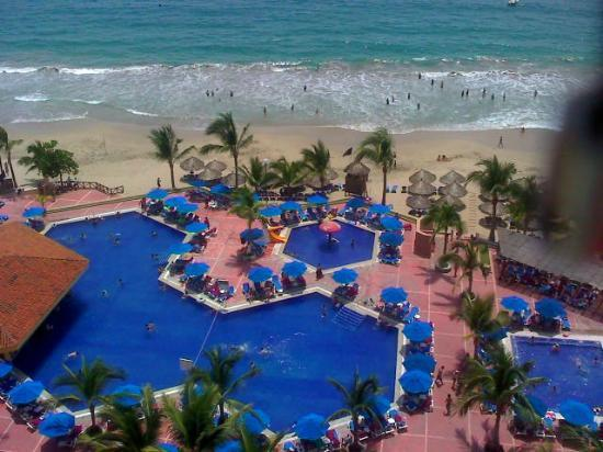 Foto de barcelo ixtapa beach ixtapa zihuatanejo desde la for Habitacion familiar junior barcelo ixtapa