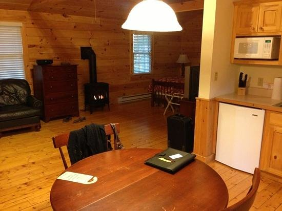 Northport, ME: Inside Private Cabin