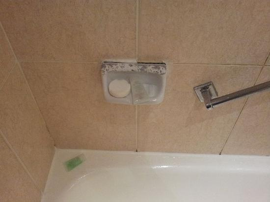 Sands Hotel: Soap Dish Awful