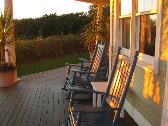 Winstead Inn and Beach Resort: Sunset on the porch