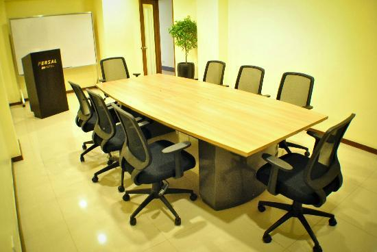 Fersal Hotel - Quezon City: Small Meeting Room