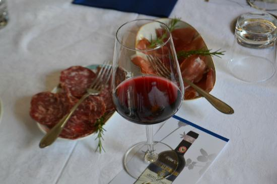 Tuscan Wine Tour by ITALY AND WINE