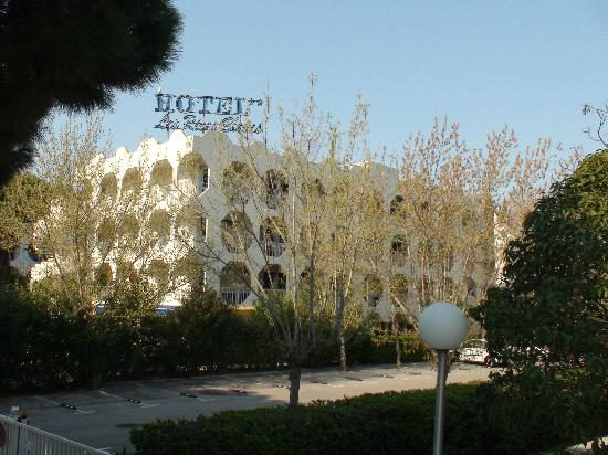 Photo of Hotel Les Rives Bleues La Grande-Motte