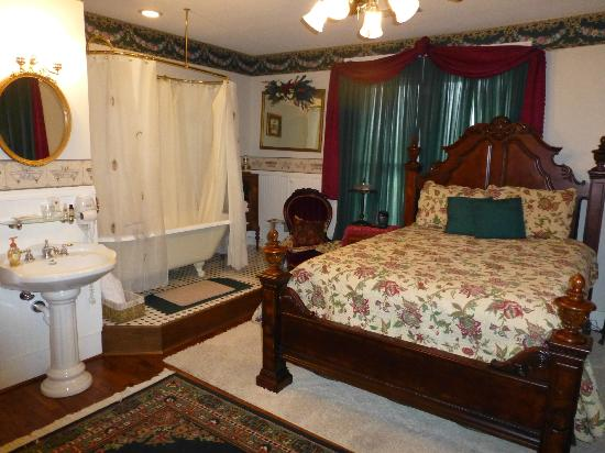 Photo of White House Inn Bed and Breakfast Paragould