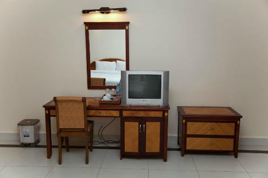 Asia Palace Hotel: Desk