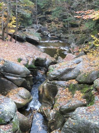 Hebron, Nueva Hampshire: Scuptured rocks