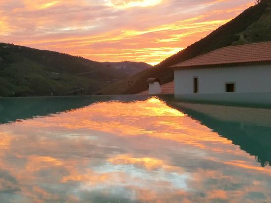 Quinta do Pego: enjoy your sun-downer at the pool