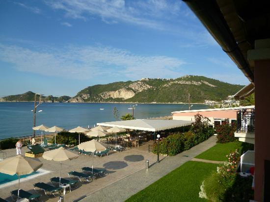 Hotel Costas Golden Beach: View right from balcony - hilltop village of Afionas