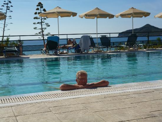 Hotel Costas Golden Beach: Come in, the water's lovely