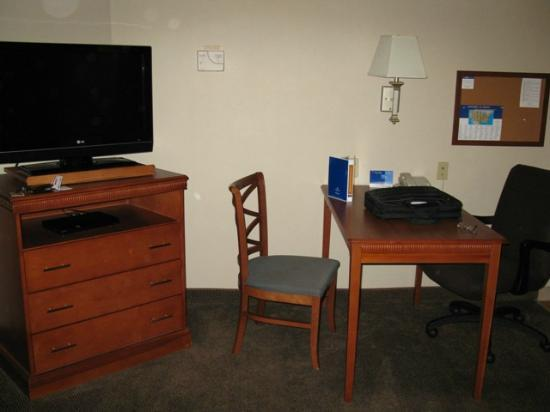 Candlewood Suites Hot Springs : The flat screen tv and desk area...