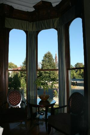 The Mansion on Delaware Avenue: sitting area
