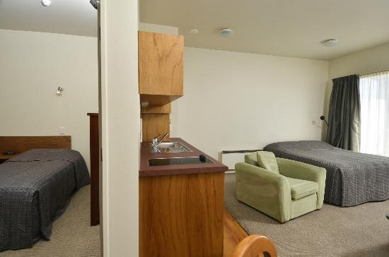 Parkside Motel: Standard 1 Bedroom Unit