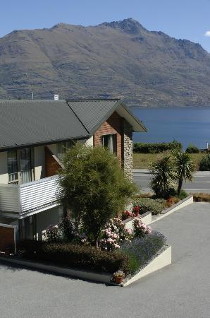 Queenstown Motel Apartments: View
