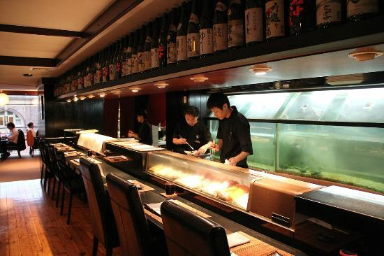 sushi counter picture of shiki japanese restaurant. Black Bedroom Furniture Sets. Home Design Ideas