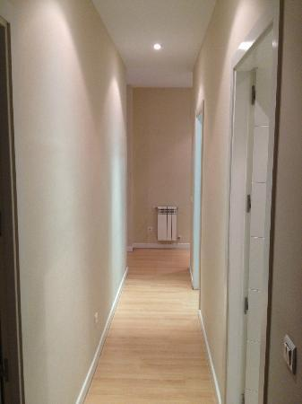 Madrid Central Suites: Corridor