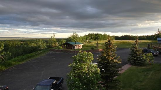 Pioneer Ridge Bed and Breakfast: view from the aurora room