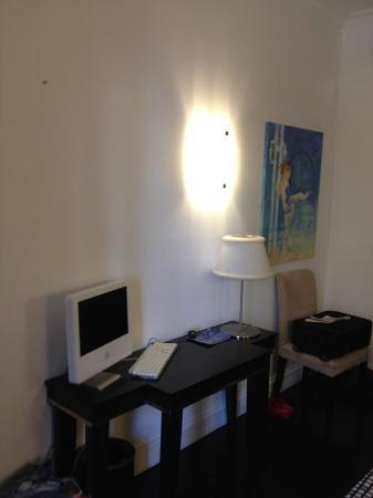 Residenza A: iMac inside my room!