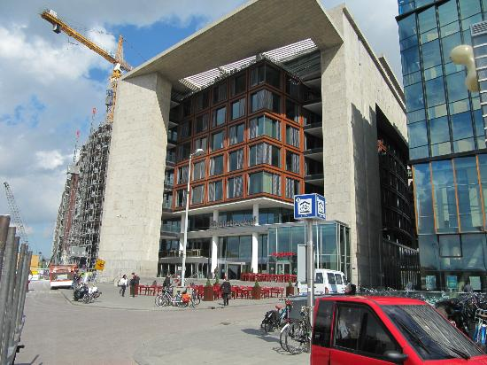 Exterior facade picture of central library openbare for Bibliotheek amsterdam