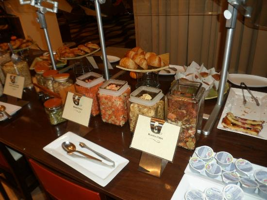 Hyatt Regency Milwaukee: EXCELLENT breakfast buffet at the Bistro 333