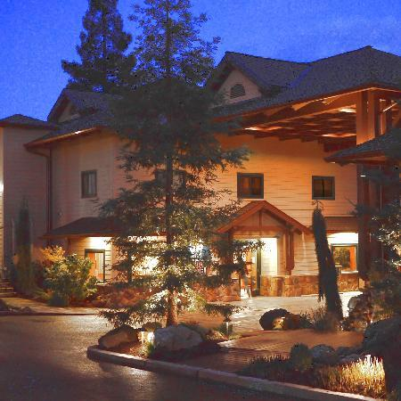 Photo of Redwood & Hyperion Suites Grants Pass