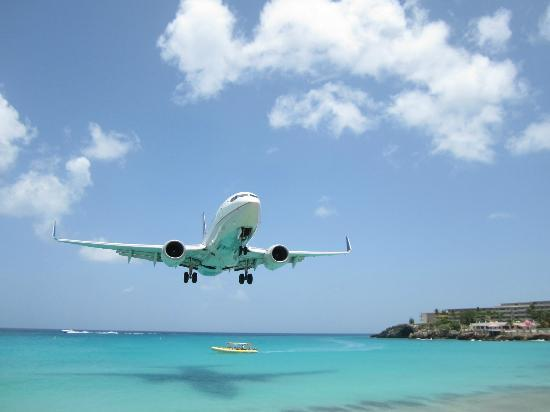 St Maarten plane spotting locations