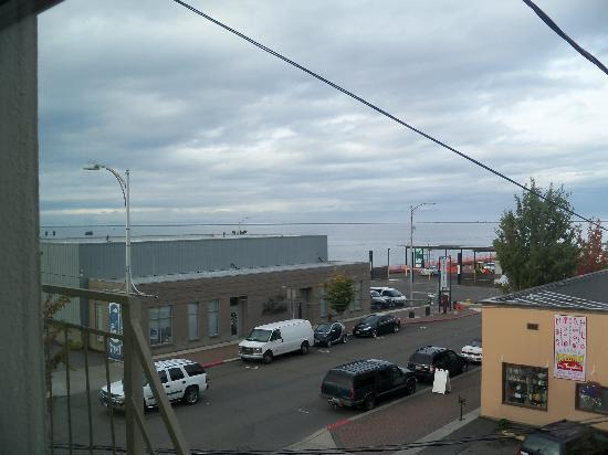 Port Angeles Downtown Hotel: View from west windows