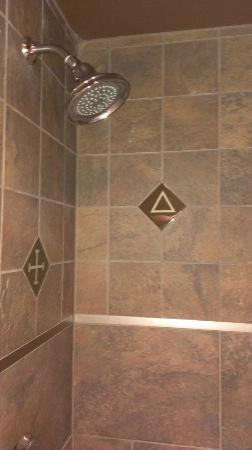 Rough Riders Hotel: Slate shower with awesome showerhead