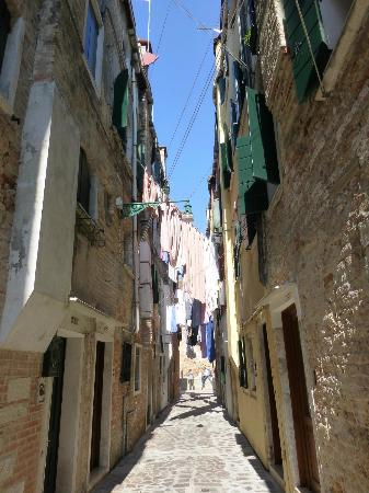 """A casa mia..."" Bed and Breakfast - Camere e appartamenti a Venezia: Casa mia is on this tiny street"